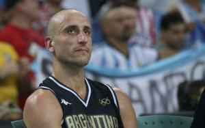 Argentine Ginobili signs up again with Spurs at age 40