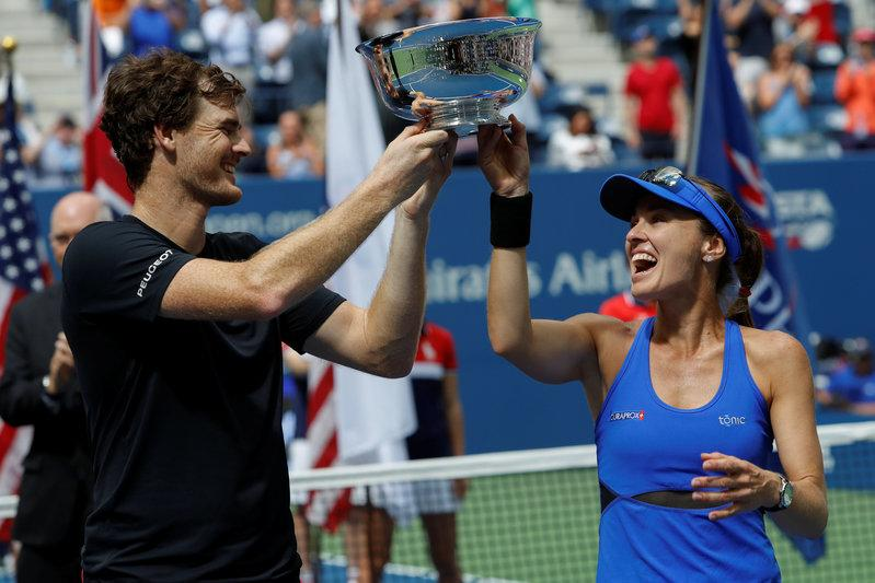 Hingis and Murray win U.S. Open mixed doubles title