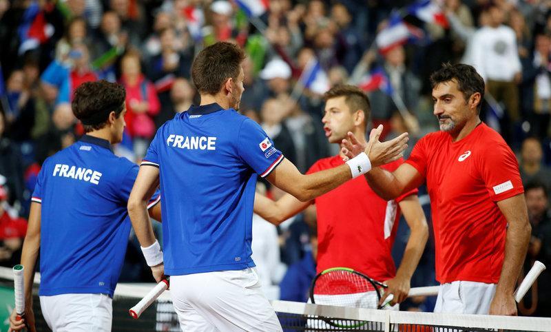 Mahut, Herbert put France ahead in Davis Cup semi