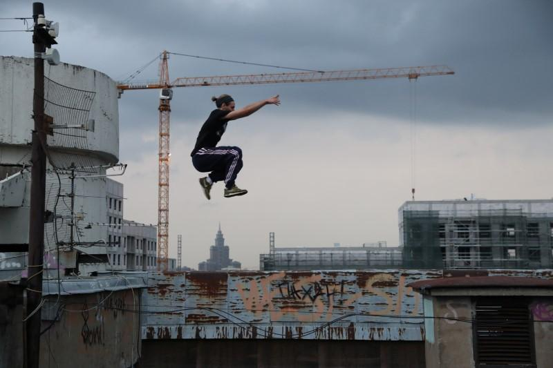 Young Muscovite group risks life and limb to scale tall buildings