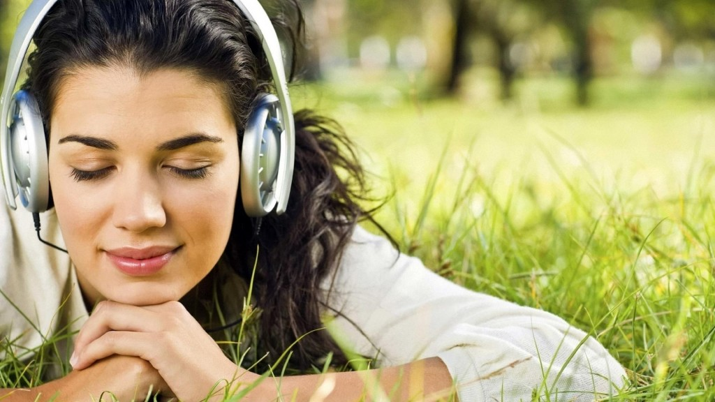 Happy music linked to creative thinking