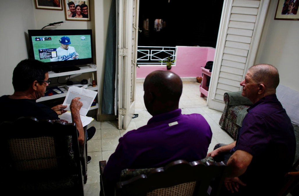 Cubans get best look yet at World Series – a day late