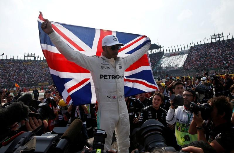 Hamilton favorite for 2018 title and knighthood