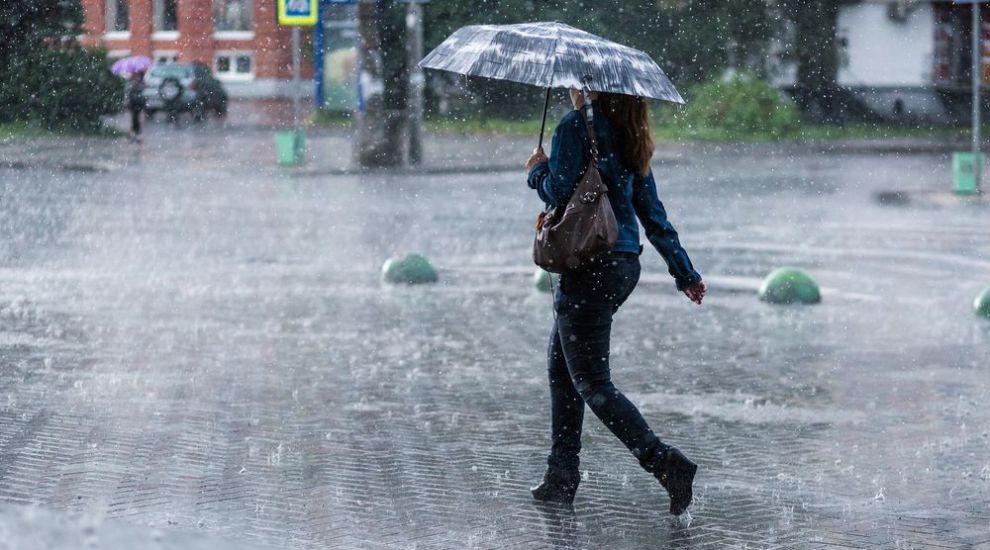 Windy rainstorm blasts U.S. Northeast, toppling trees, halting trains