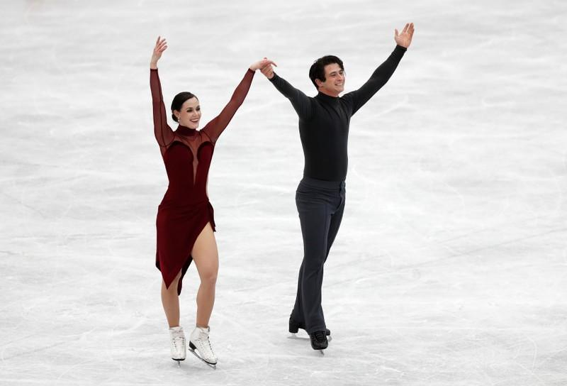 Figure skating: Virtue, Moir glide to victory in Japan, clinch final berth