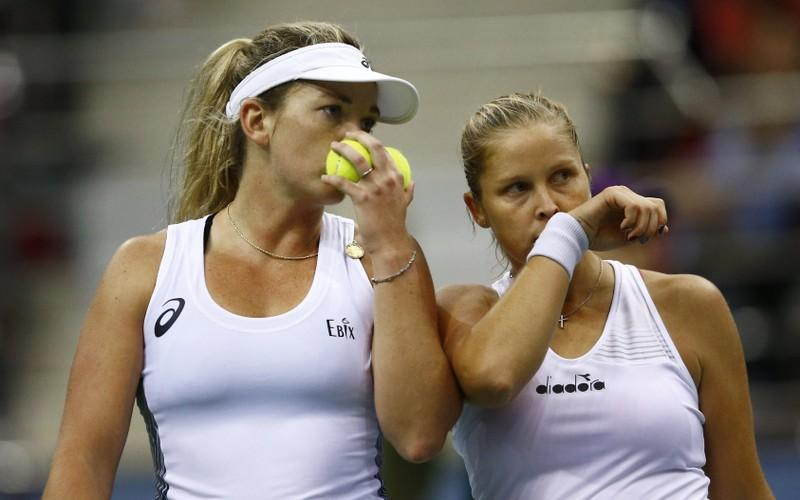 United States battle past Belarus to win 18th Fed Cup