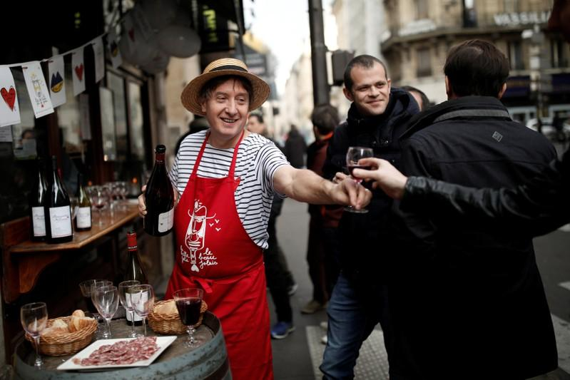 Sante! France welcomes start of Beaujolais Nouveau wine season