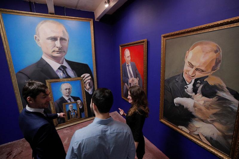 'superputin' Exhibition Gives Russian Leader a Pop-art Make over
