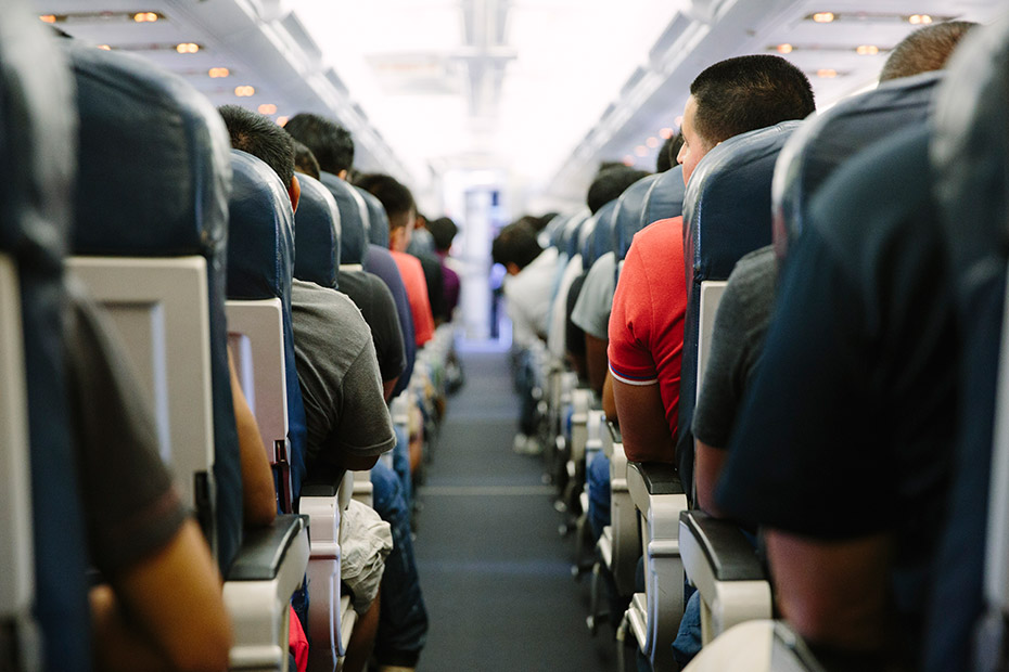 Illegal Aliens Quietly Being Relocated Throughout U.s. on Commercial Flights