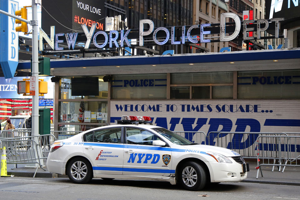 In New York, Crime Falls Along with Police Stops