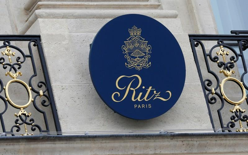 Paris Ritz to Auction Old Furnishings, Hemingway-era Bar Stools