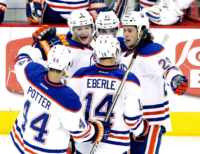 Mcdavid Records Hat Trick As Oilers Roar Past Avalanche