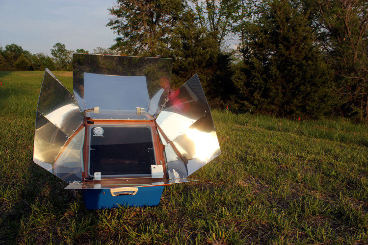 Understanding how a solar oven works, and how to use it