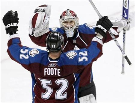 NHL roundup: Avalanche stage late rally to edge Predators