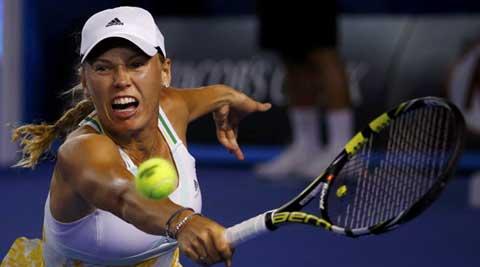 Wozniacki battles past Errani into Istanbul quarter-finals