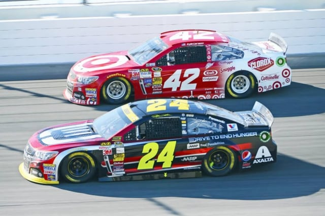 Larson dominates Monster Energy Cup qualifying at Dover