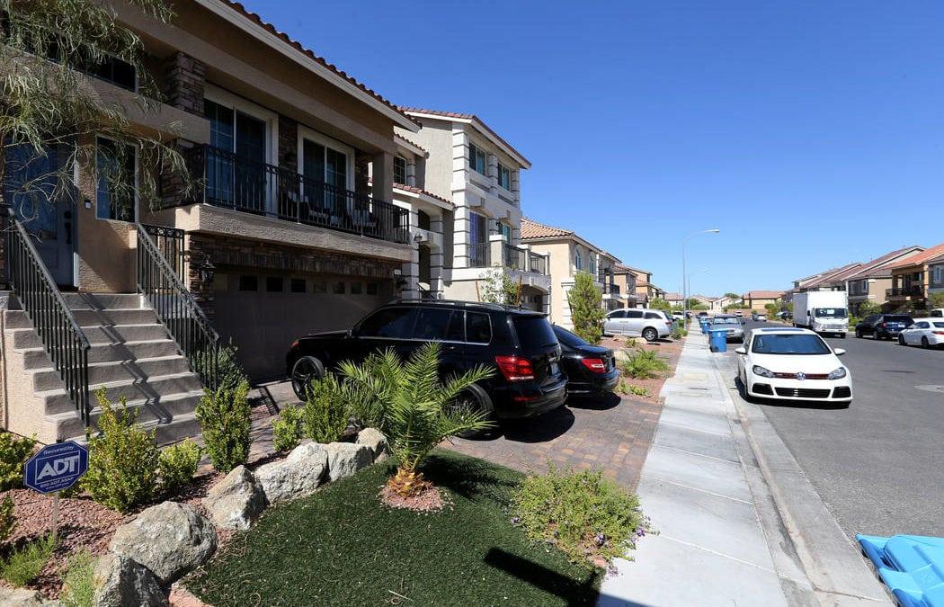 Police say teen livestreamed attempted shooting of Las Vegas officer
