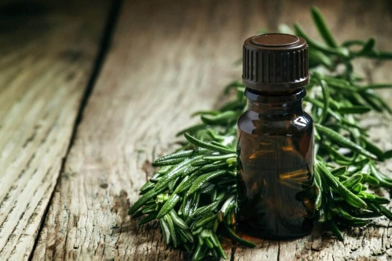 Plantar warts on your feet can be easily treated with tea