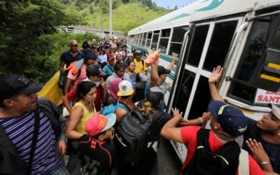 MIGRANT CARAVAN FROM HONDURAS AIMS AT US BORDER