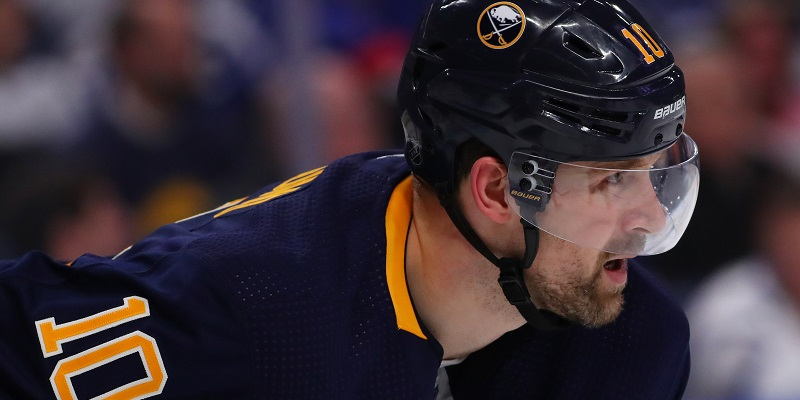Sabres suspend C Berglund for 'failure to report'