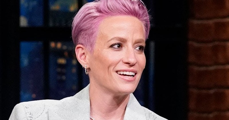 "US SOCCER STAR MEGAN RAPINOE SAYS HER PRO-TRUMP PARENTS ""NEED THERAPY"""