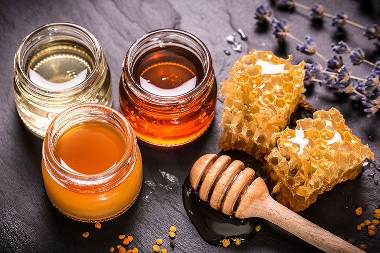 Try this recipe for a natural honey spread that can help relieve seasonal allergy symptoms