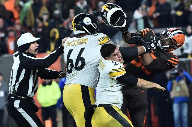 Browns' win over Steelers ends with ugly brawl
