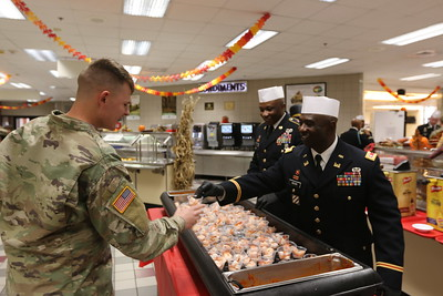 1st Infantry Division Leaders Serve Thanksgiving Dinner To Soldiers