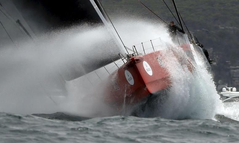 Sailing: Comanche grabs early lead after slow start in Sydney Hobart race