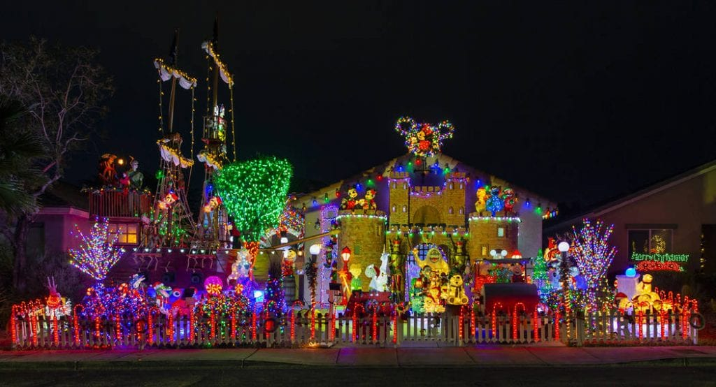 Winner Of The Christmas Light Fight 2020 Great Christmas Light Fight' puts spotlight on Henderson home
