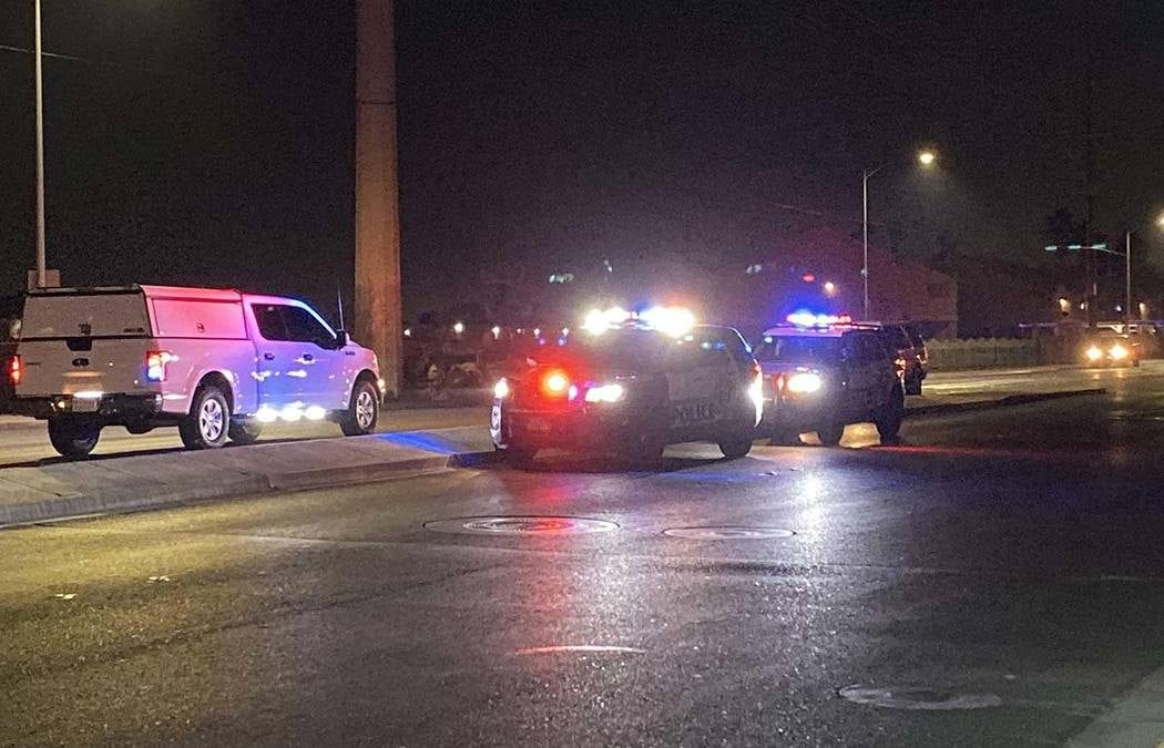 2 die in 2-car crash at Lake Mead, Pecos; long delays expected