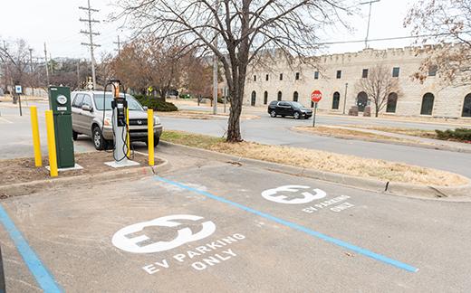 Evergy Installs New Electric Vehicle Charging Station At Kansas State University