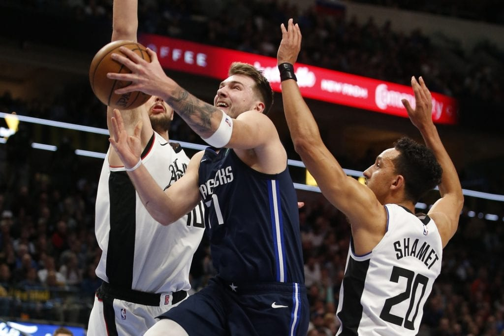 Leonard Outduels Doncic Clippers Top Mavs Your News