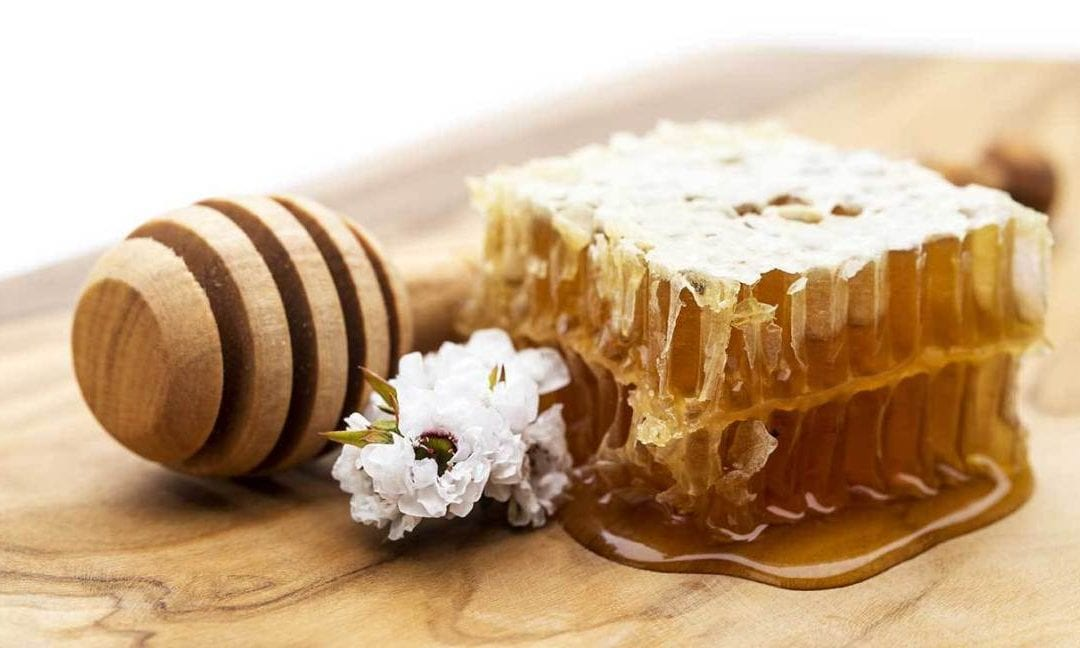 7 Reasons to have Manuka honey in your kitchen
