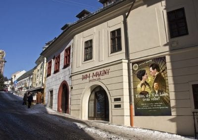 s3.reutersmedia-1-400x284 Save all your kisses for me in the Slovak Love Bank [your]NEWS