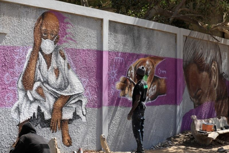 Senegal's graffiti artists join fight against coronavirus