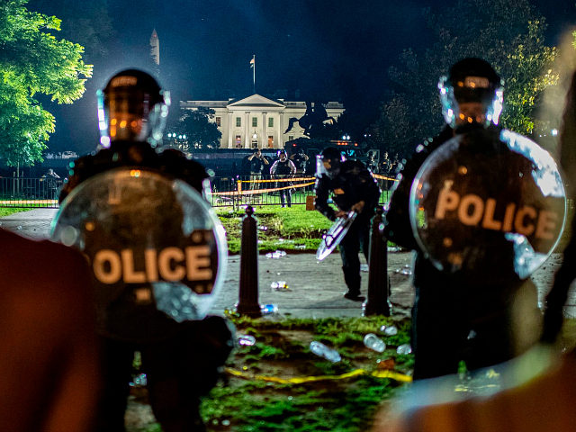 Report: More than 50 Secret Service Officers Injured Sunday Evening