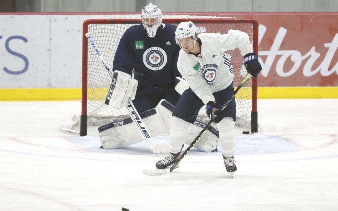 Jets lose Scheifele to leg injury early vs. Flames