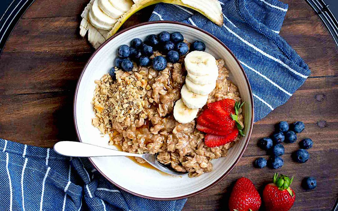 6 Easy ways to turn fiber-rich oatmeal into a delicious breakfast