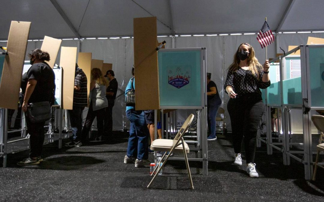 1st day of early voting draws crowds in Clark County