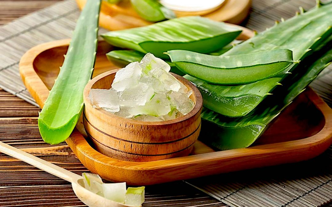 Components of aloe vera extracts show antiviral activity against influenza A