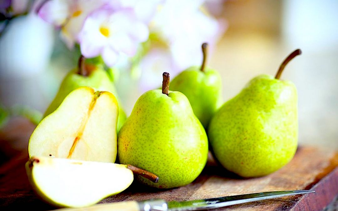 Top 8 Reasons you should add pears to your diet (recipe included)