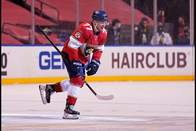 NHL roundup: Panthers rally late to beat Stars