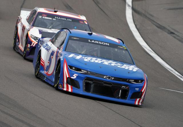 Kyle Larson embraces second chance, wins at Las Vegas for Hendrick
