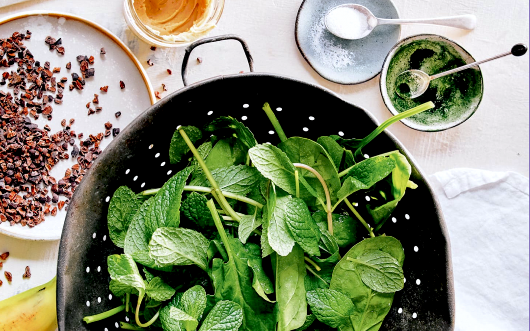 Beat the heat with a refreshing glass of this mint chocolate smoothie