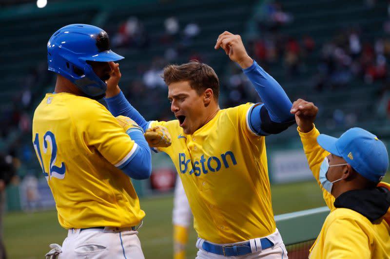 MLB roundup: BoSox score late to knock off ChiSox