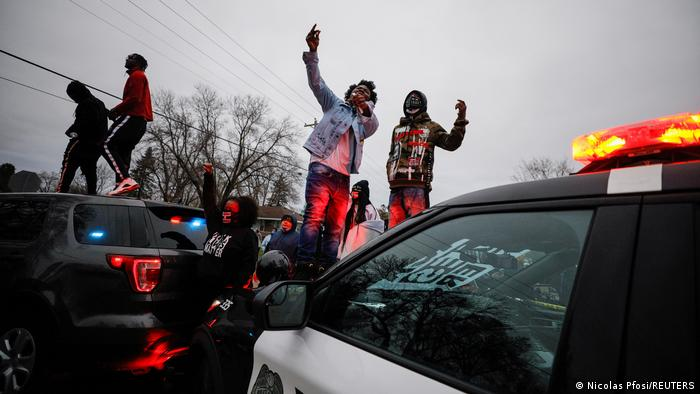 WATCH: Reporters Object to Minnesota Police Chief's Use of 'Riot' in Press Conference