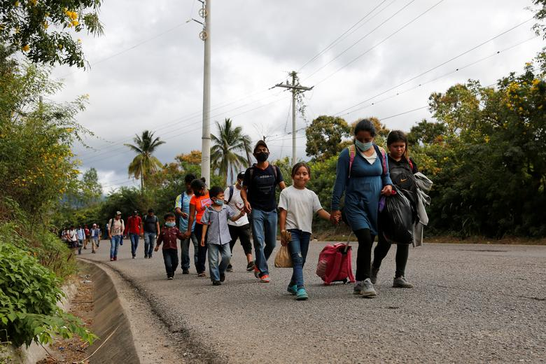 Analysis: 1.2M Illegal Aliens Projected to Reach Southern Border this Year