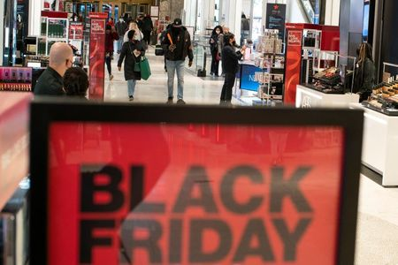 tagreuters.com2020binary_LYNXMPEGAQ11L-VIEWIMAGE Pandemic fears, online deals thin U.S. Black Friday crowds Business Top Stories [your]NEWS