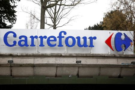 Carrefour staff worried about Couche-Tard approach, union says